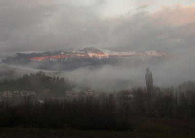 les nuafes se décihirent un soir de décembre à Barnave